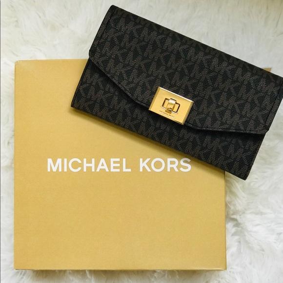 d240297fa4cc Michael Kors Cassie MK Signature Trifold Wallet